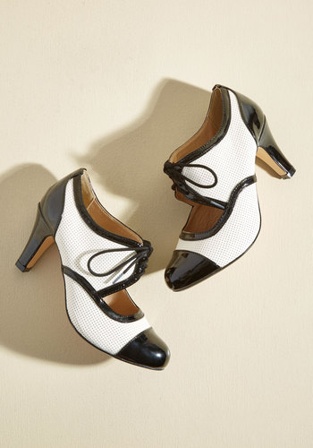 1940s Womens Shoe Styles Amped for a Revamp Heel in Black $79.99 AT vintagedancer.com