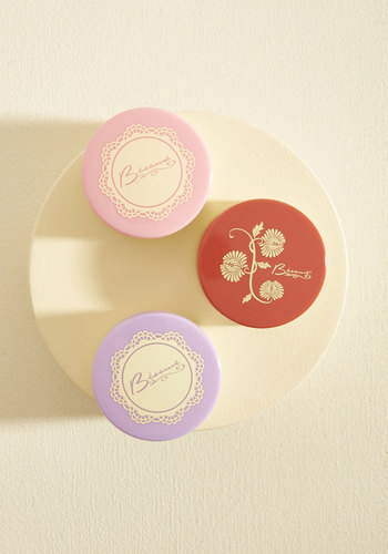 vintage-makeup-besame-brightening-powder