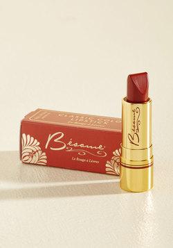 Rip-Roaring Radiance Lipstick in Merlot