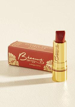 Rip-Roaring Radiance Lipstick in Red Velvet