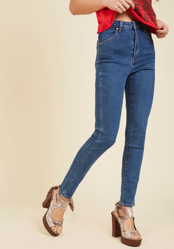 Paramount Proclamation Jeans in Medium Wash