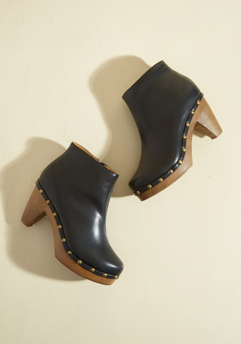 Weekday Theatrics Vegan Bootie in 7
