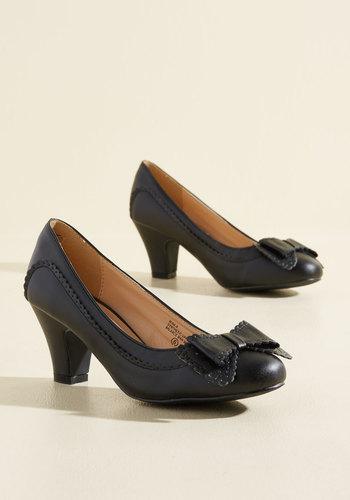 1930s Style Shoes Fashionable Forte Heel $44.99 AT vintagedancer.com