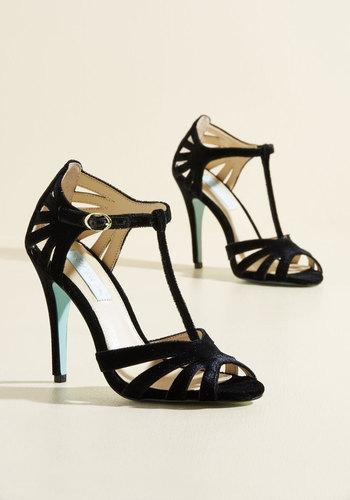 1950s Style Shoes Animated Attitude Velvet Heel in Noir $68.99 AT vintagedancer.com