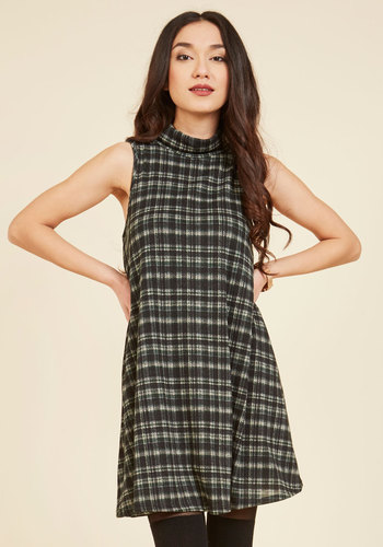 That Swing Shift Dress - Green, Tan / Cream, Black, Plaid, Print, Casual, Tent / Trapeze, Sleeveless, Fall, Winter, Knit, Good, Mid-length