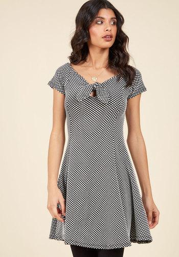 1950s Plus Size Dresses Lady Love Song Sheath Dress in Black Dots $59.99 AT vintagedancer.com
