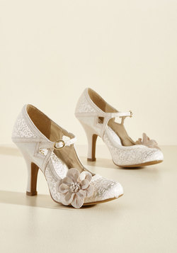 Chimerical Caper Mary Jane Heel in Champagne