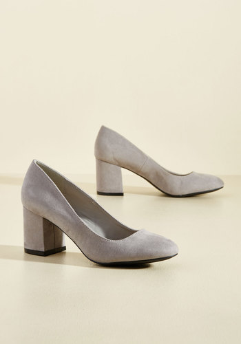 Retro & Vintage Style Shoes Cue the Classics Block Heel in Stone $39.99 AT vintagedancer.com
