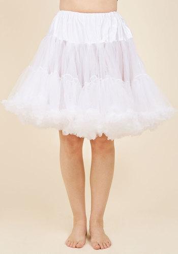 1950s Crinoline, Petticoats & Pettipants Va Va Voluminous Petticoat in White - Short $52.99 AT vintagedancer.com