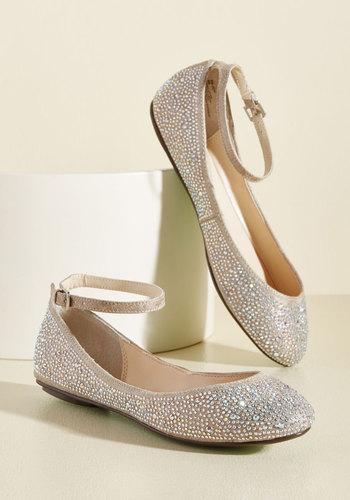 Http Www Modcloth Com Shop Shoes Flats Dazzling Demeanor Flat In Champagne