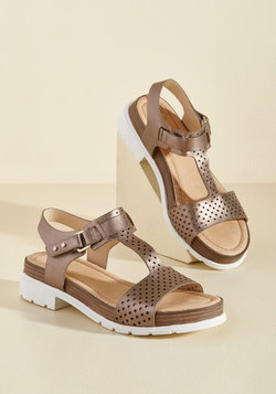 Good-Natured Glam Leather Sandal in Bronze