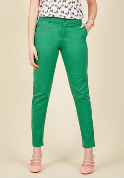 Ease of Versatility Pants in Clover