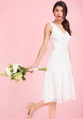 1950s Style Wedding Dresses Embodied Elegance Lace Dress in White $175.00 AT vintagedancer.com