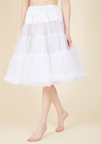 1950s Crinoline, Petticoats & Pettipants Va Va Voluminous Petticoat in White - Long $59.99 AT vintagedancer.com