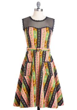 Blogging Molly Dress in Wallpaper