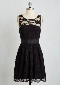 When the Night Comes Dress in Noir